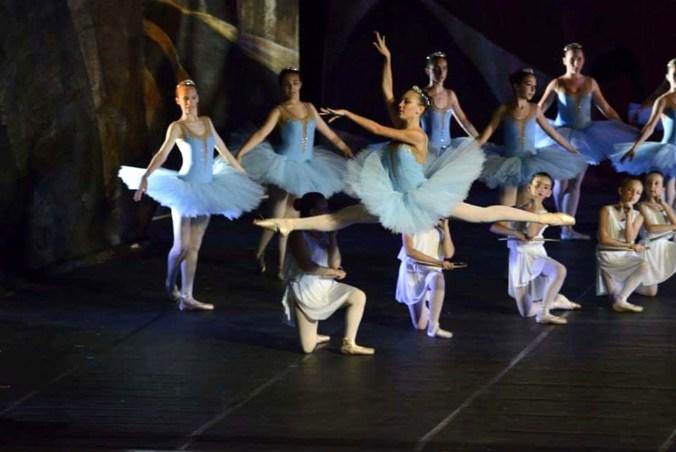 Ballet Blanc 3.jpg
