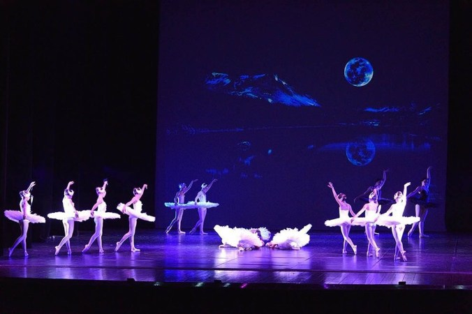Ballet Blanc 4.jpg