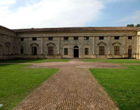 Cortile d'Onore di Palazzo Te.jpg