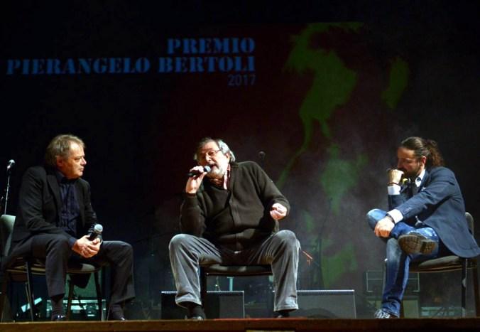 foto talk show Guccini Premio Pierangelo Bertoli 2017_b