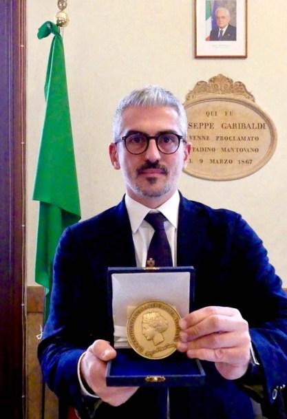 Medaglia Fao sindaco Palazzi.jpg