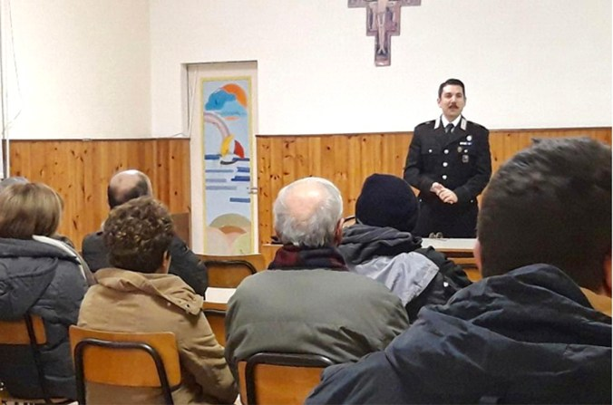 carabinieri viadana.jpg