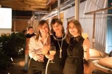 da sinistra Antonella Elisabetta e Cristina Nonino con l'Aperitivo Nonino BotanicalDrink0335