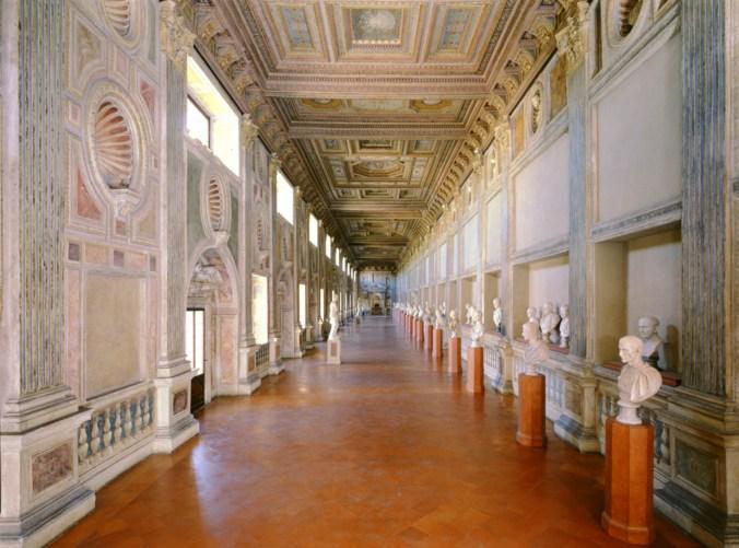 Galleria della Mostra - anni zero_low.jpg