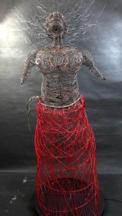 Fabio D'Agostino PROPHETISSA filo di ferro cotto e smalto.jpeg