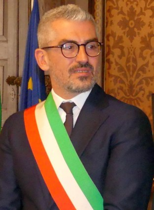 Mattia palazzi sindaco di Mantova.jpg