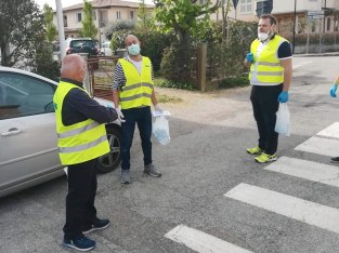 La consegna delle mascherine a Barbiano, 18 aprile 2020 (1)