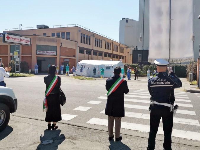 Omaggio al Pronto soccorso di Lugo, 9 aprile 2002 (4).jpg