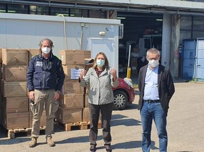 regione lombardia consegna le mascherine alla città di milano 3