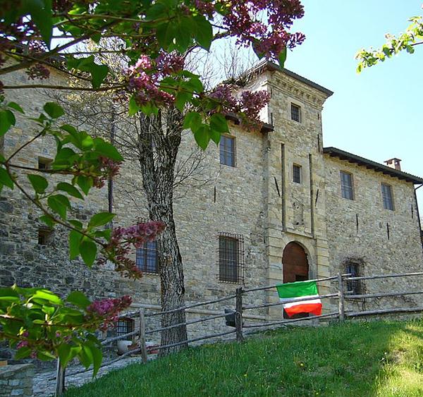 Castello-Gambaro-Estate-Castelli-Ducato-600