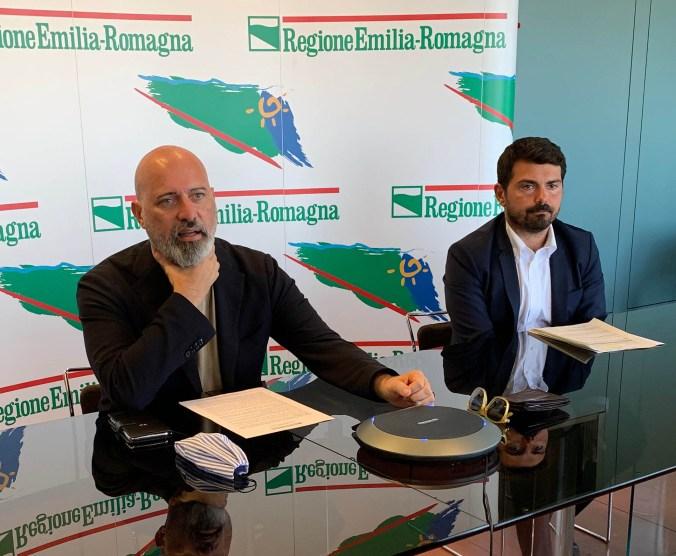 Bonaccini e Mammi conferenza stampa aiuti agricoltura