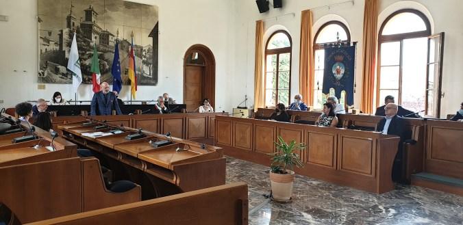 Giunta ER in Municio a Cattolica incontro sindaci.jpg