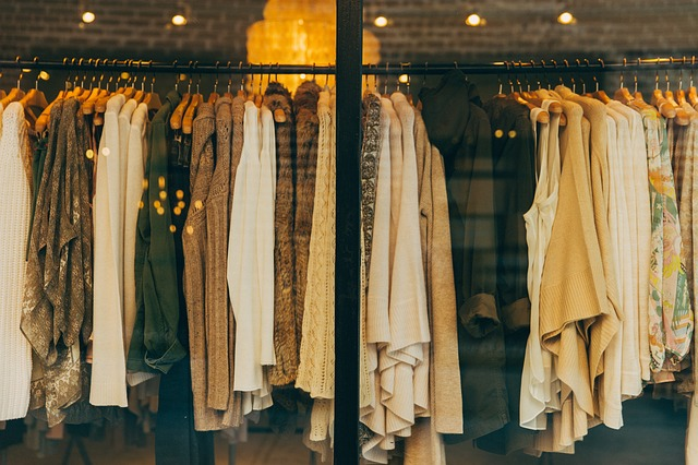 Mindandbeauty - Dix comportements accro au shopping : Hauts et pulls
