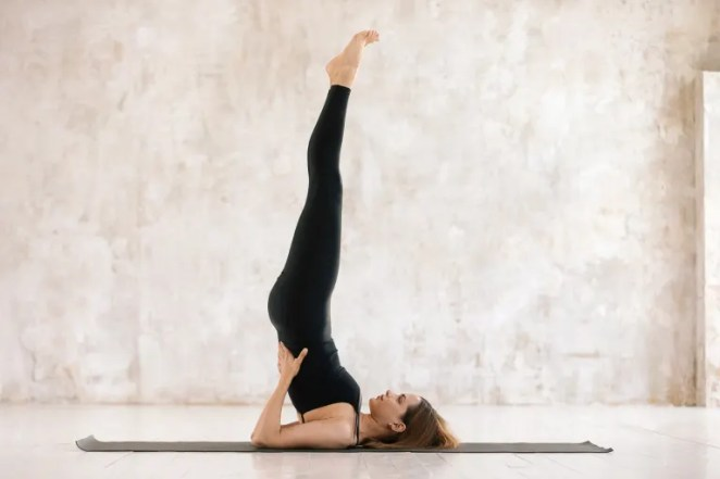 Shoulder Stand: Benefits, Tips & How To Do It Safely