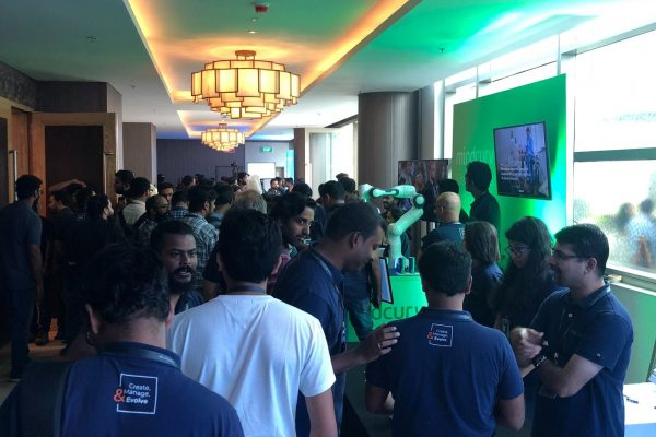 Halls crowded with people during the AWS Cochin event