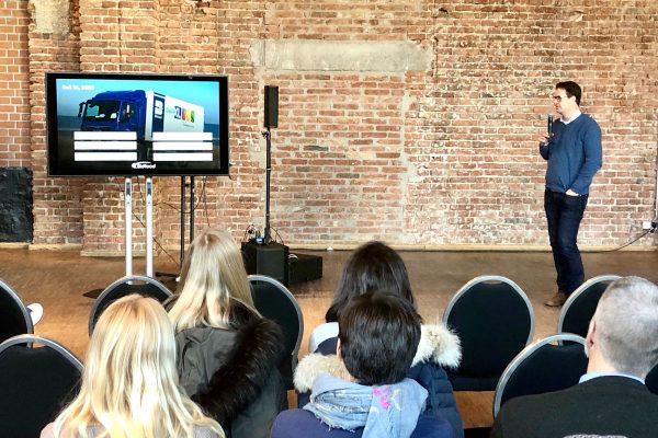 Markus Tillmann, Director of Mindcurv presenting at 48FWRD Retail Day event in Munich