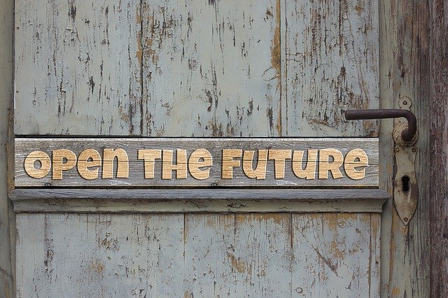 open the future by looking forward