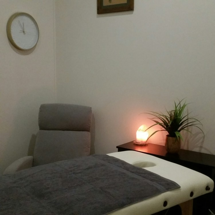 Both Lomi Lomi and Intuitive Balinese massages are available.