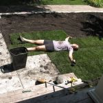 laying sod in yard www.mindfulmomma.com