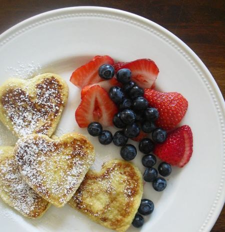 Heart shaped pancakes via Inhabitots