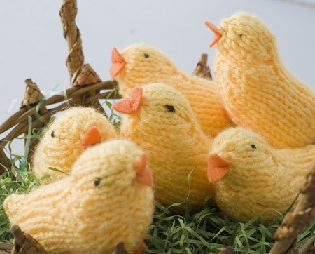 Hand knit chicks and other candy free Easter gifts