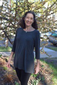 LNBF Emily tunic via mindfulmomma.com