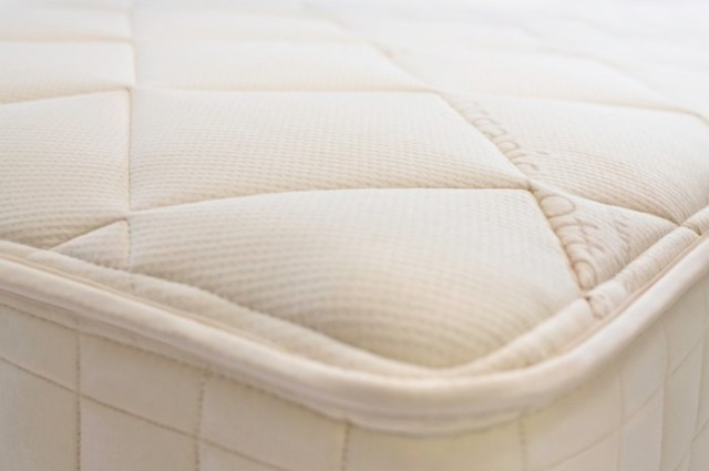 How to Buy a Non-Toxic Mattress