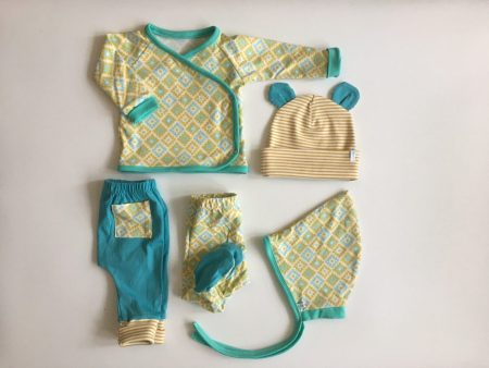 Organic cotton unisex layette