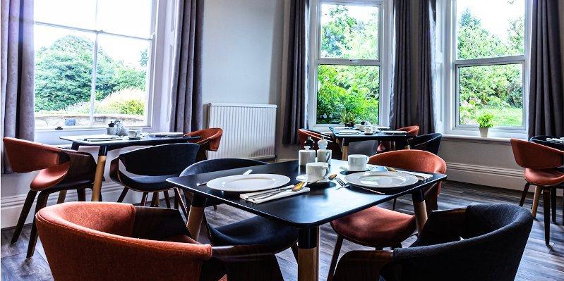 Cosy Wolf breakfast room