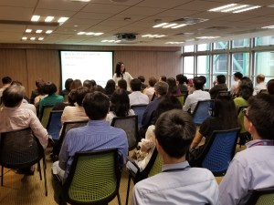 精神科專科醫生陳蔓蕾 - 香港中華煤氣有限公司 - 「在職人士精神壓力」講座 - 圖片3