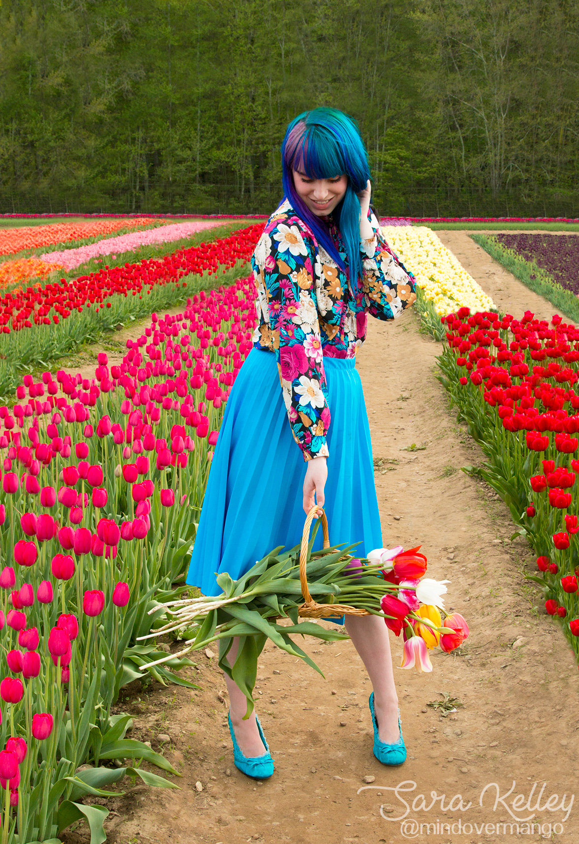 Vintage Floral Pattern Flower Farm Tulip