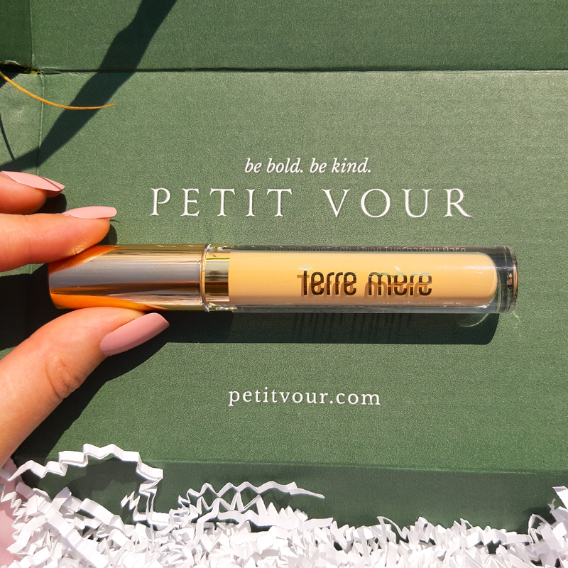 Petit Vour: Terre Mere Anti-Aging Smudge Proof Eye Shadow Base