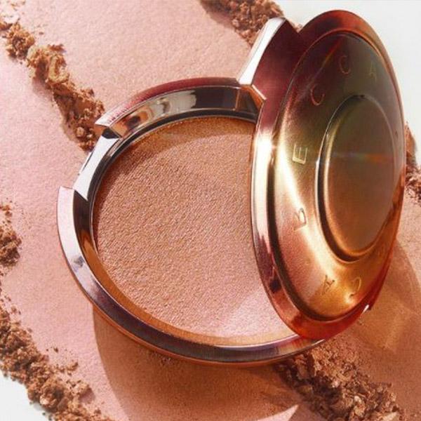 BECCA Cosmetics Closing Shimmering Skin Perfector™ Pressed Highlighter
