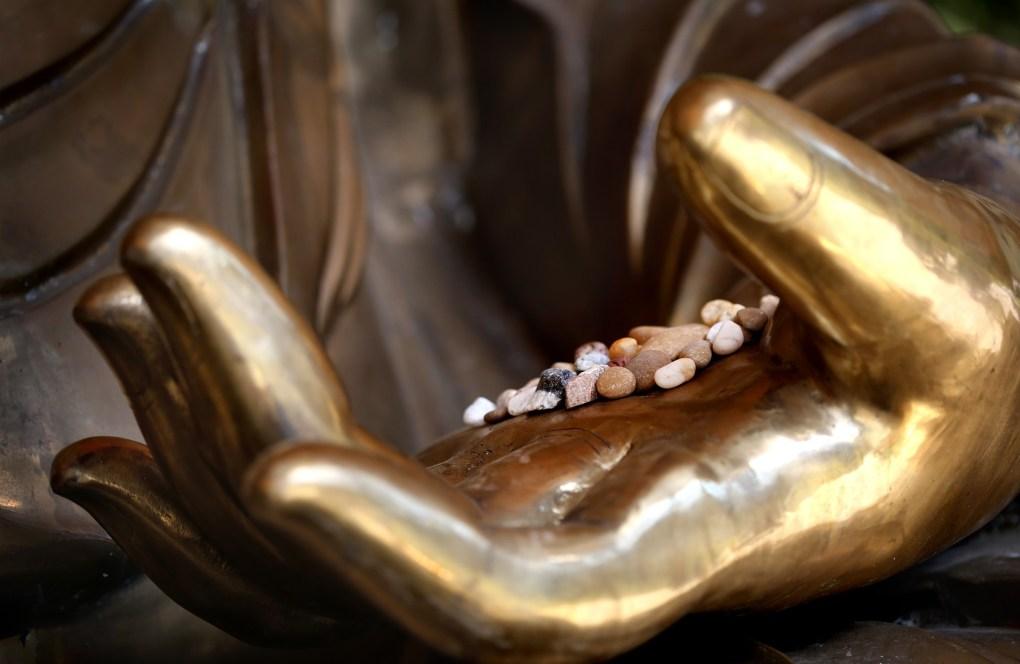 le pouvoir des pierres : décuplez votre pleine conscience