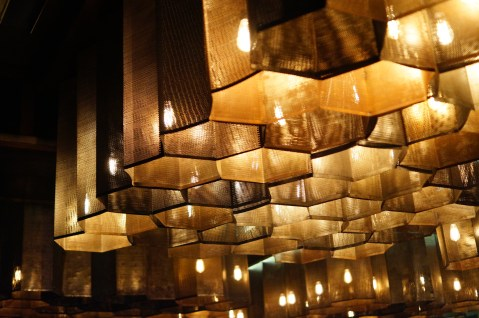 molecule-air-bar-sector-29-gurgaon-mindwagons-lights-bulb-beautiful-pattern-ceiling
