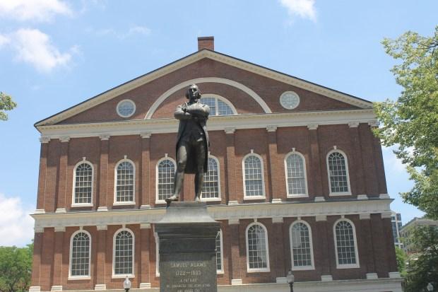 Samuel_Adams_at_Faneuil_Hall,_Boston_IMG_2845