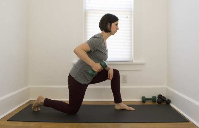 kneeling row exercise