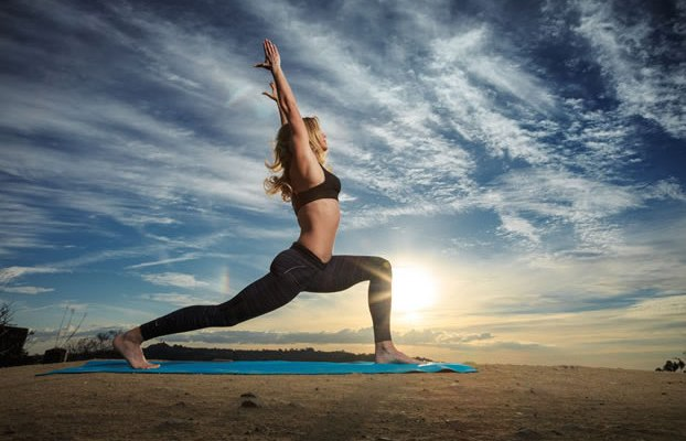 What are some beginner yoga posture(s) to lose weight? 2