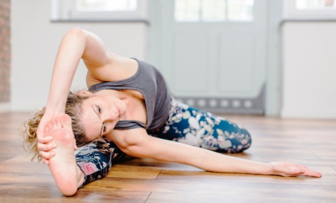 Yoga in the office or how to relieve fatigue 3