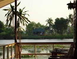 Aussicht vom Tamarind Guesthouse Kanchanaburi