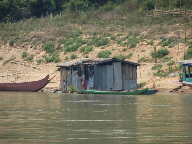 Demoliertes Haus nach Slow Boat Unfall
