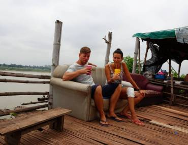 Couch und Drinks am Mekong 2
