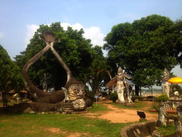 Statuen im Buddha Park