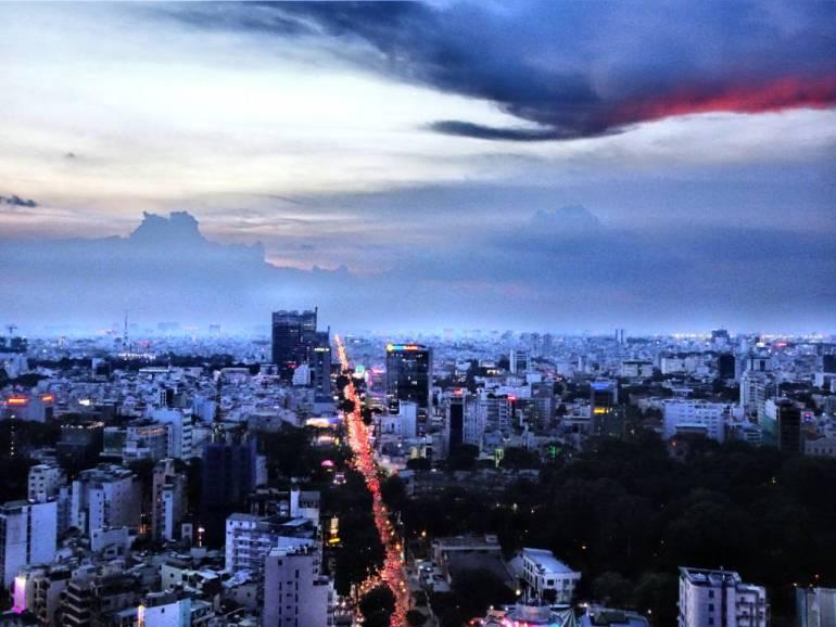 Blick auf Saigon von der Chill Sky Bar