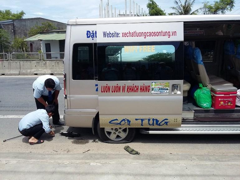 Platter Reifen am Minivan