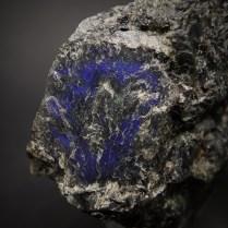 Crystal of plagioclase var. labradorite (Ca,Na)[Al(Al,Si)Si2O8] showing blue labradorescence in anorthosite; Golovinskoye deposit (Holowyne), Gorchin village, Chernyahovskiy district, Zhytomyr Oblast' (Zhitomir Oblast'), Ukraine; crystal 34 x 29 mm