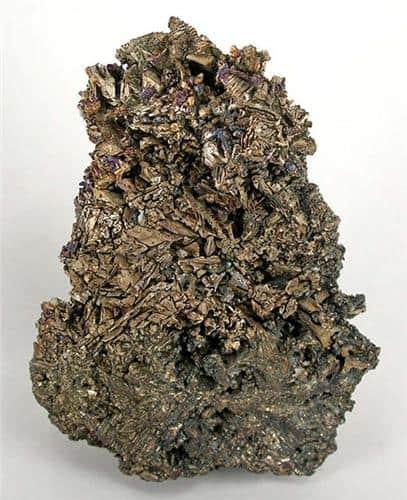 Enorme racimo de bismuto cristalizado