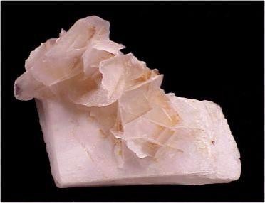 Agrupación muy interesante de cristales de Calcita