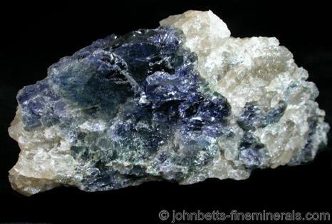 Cordierita azul profundo