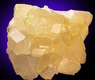 Colemanita amarilla